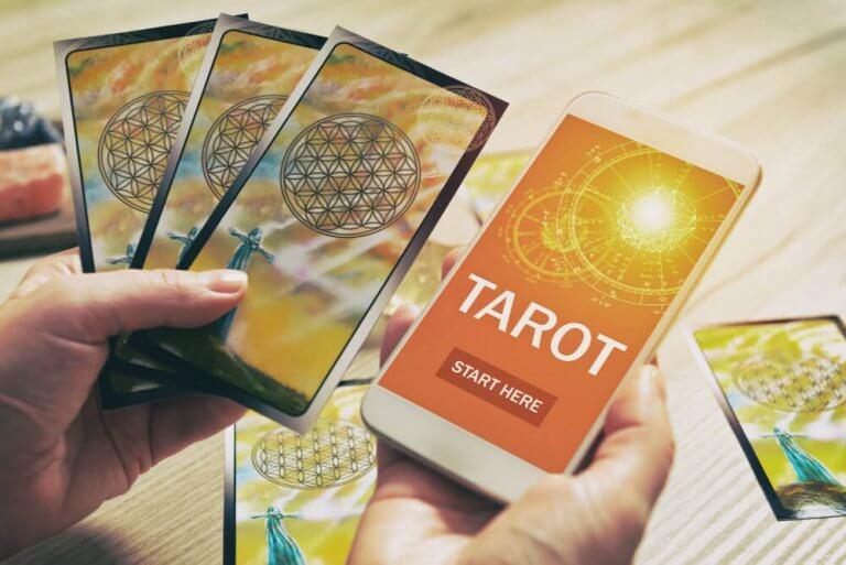 Tarot Reading App