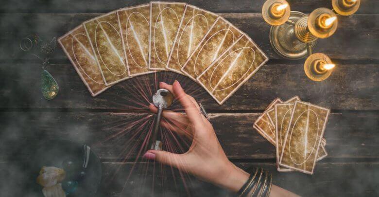 Selecting a Tarot_Deck