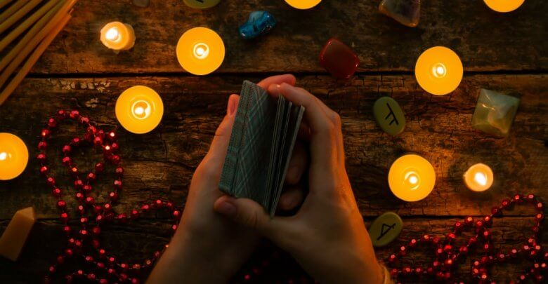Photo of 4 Common Mistakes When Reading Tarot Cards for Yourself