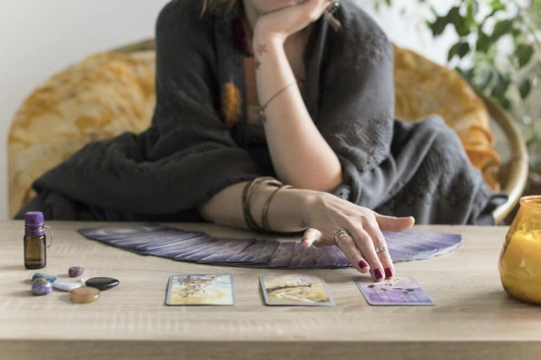How to Choose the Right Tarot Reader