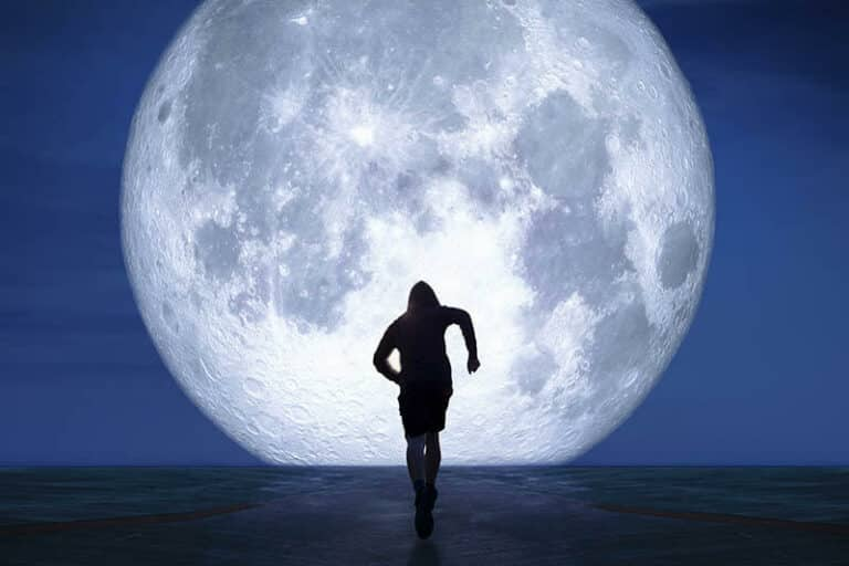 How Your Moon Sign Can Make You SOAR